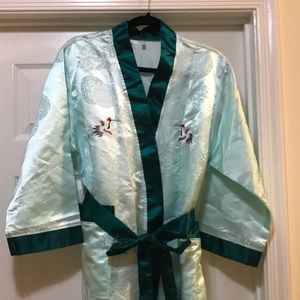 Other - Silky embroidered Japanese Tie Robe
